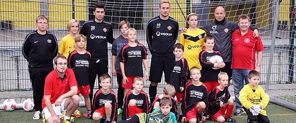 Grundschüler trainieren mit Dynamo Dresden