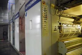 Nahaufnahme einer Rollenoffset Druckmaschine