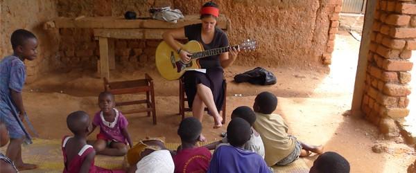 Wir unterstützen Julia Kuka beim FSJ in Tansania