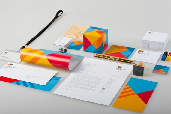 Beispiele und Inspirationen für Corporate Design (39)