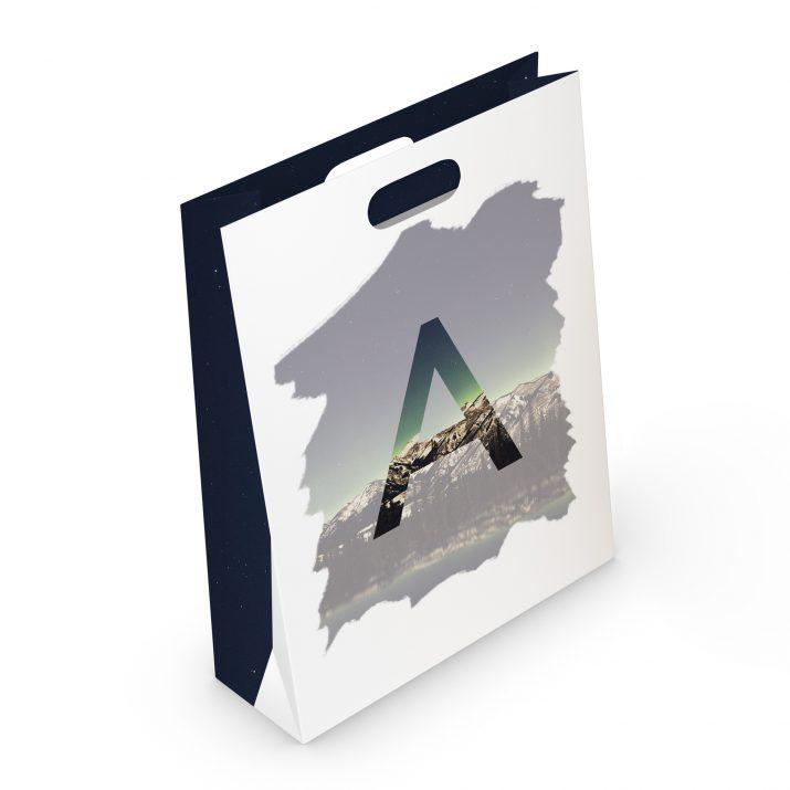 Papiertragetasche mit Druck / Papiertasche bedruckt (Mockup back)