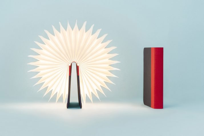De:lights - Lumio red stand